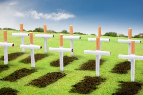 Надгробные кресты из сигарет