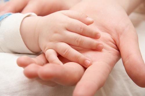 Женщина родила после пересадки яичников